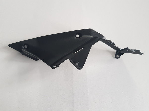 6101021913000 - FK12-SF-SX Fuel tank right guard front plate - Tankverkleidung rechts vorne